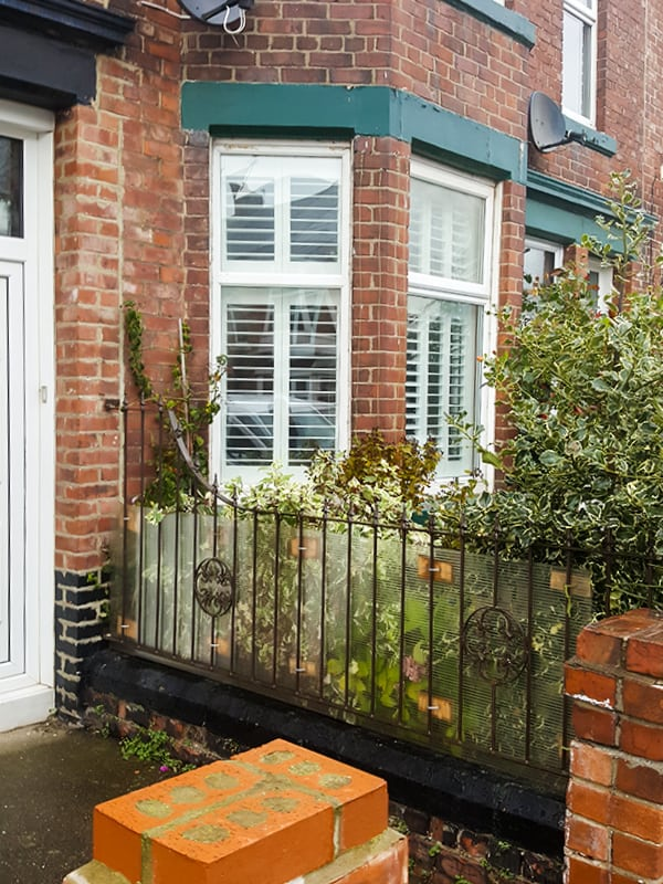 tier-on-tier-south-shields_bay-window-outside-after