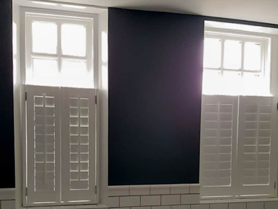 Cafe-Style-closed-shutters