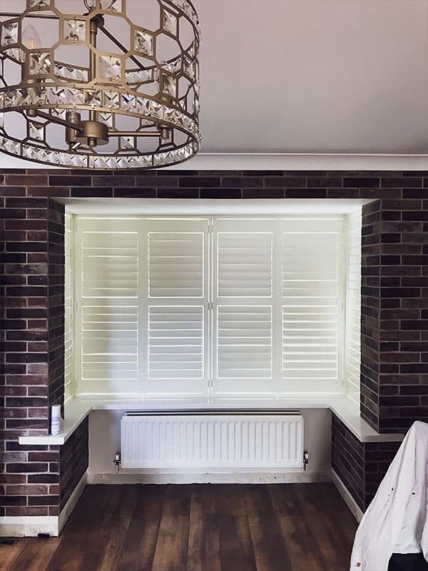 Closed bi-fold plantation shutters